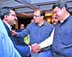 Mr. Rajiv Podar with HE Mr. Devendra Fadnavis, Chief Minister of Maharashtra