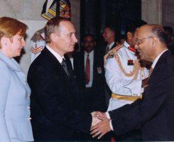 H E Mr. Viladmir Vladimirovich Putin, President of Republic of Russia and Mrs. Lyudmila Putin and Mr. Kantikumar Podar at the Dinner hosted by Dr. K. R. Narayanan, President of India at Rashtrapati Bhawan, New Delhi
